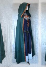Verde con capucha <br>75€