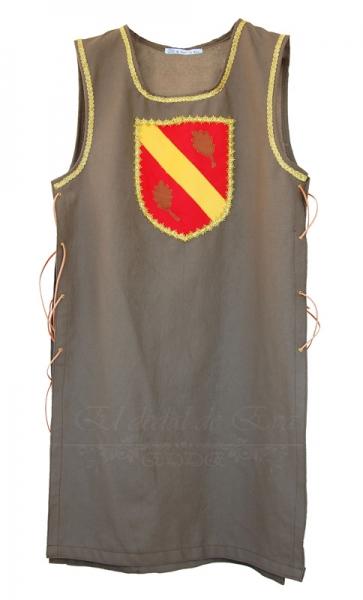 Sobrevesta con blasón decorativo: Banda amarilla sobre rojo 55€
