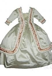 Gris: Vestido de niña realizado en seda.